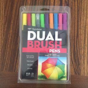 Tombow bright palette brush pens